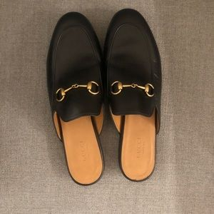 Almost new Gucci loafer in size 38.5